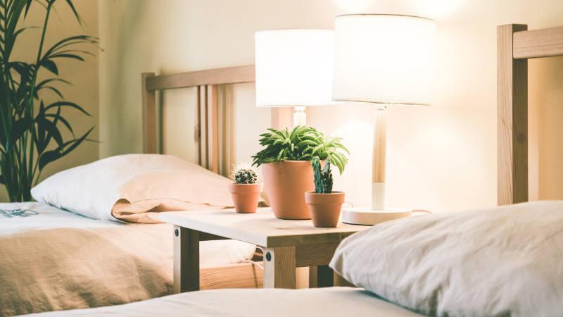 helles doppelzimmer zwei einzelbetten