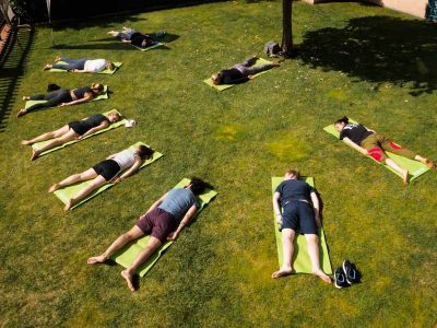 surf yoga-kurse portugal surfcamp