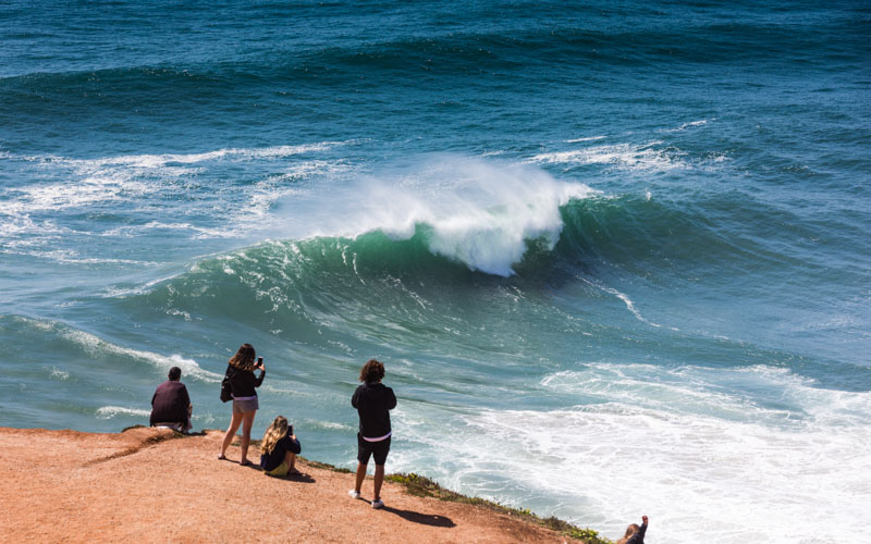 big waves surf contest nazare